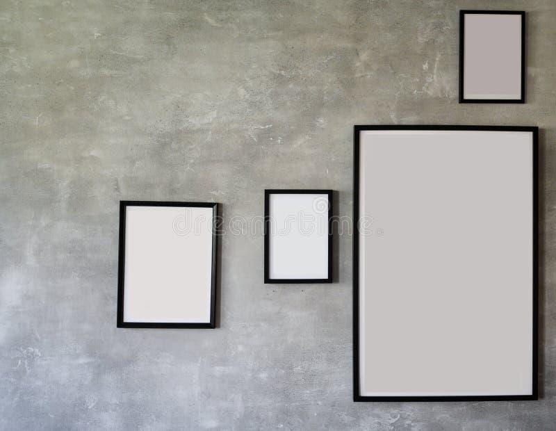 Maqueta de madera negra de los marcos de la foto, colección determinada en la pared moderna, decoración interior imagen de archivo