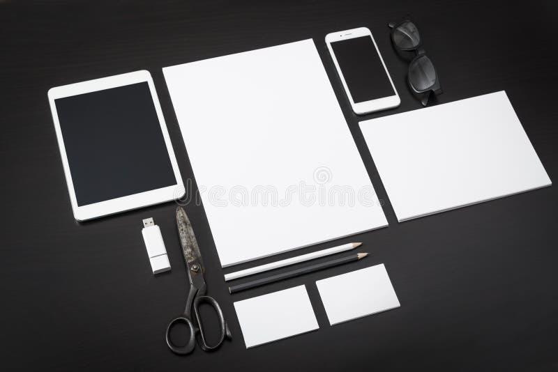 Maqueta del diseño del papel con membrete libre illustration