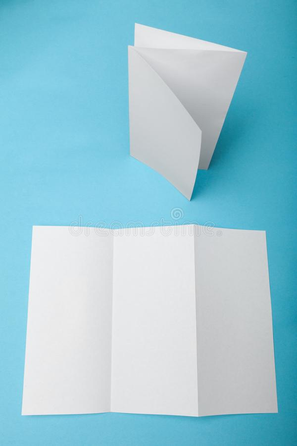 Maqueta del folleto del doblez de Z, maqueta del Libro Blanco A4 fotografía de archivo