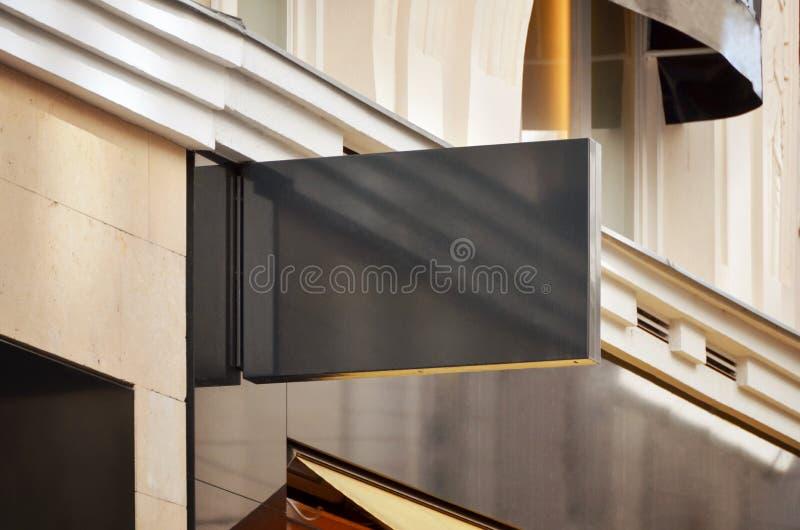 Maqueta moderna de la señalización del negro de la tienda foto de archivo libre de regalías