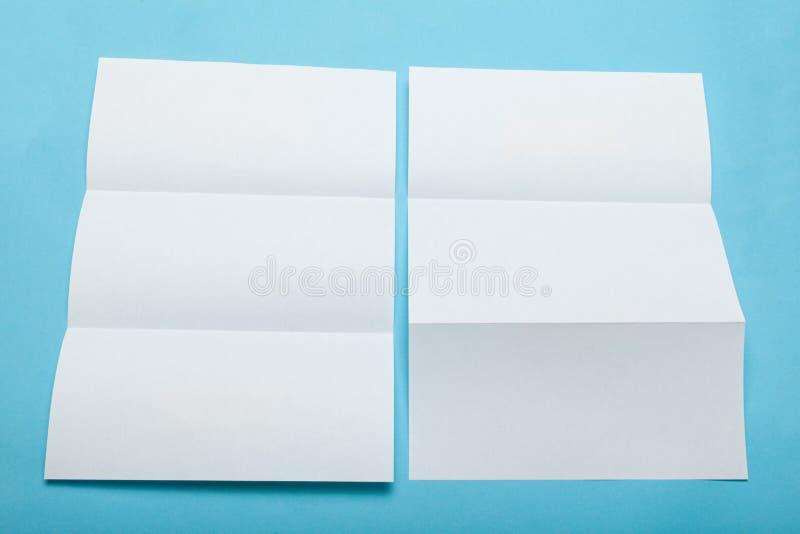 Maqueta triple vacía del menú, carpeta del Libro Blanco fotografía de archivo