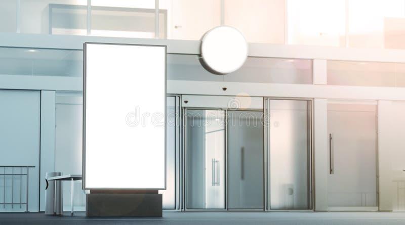 Maquette blanche vide de pylône, support sur l'extérieur de rue photographie stock