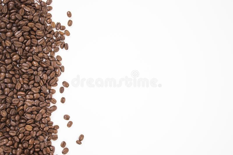 Maquette des grains de café sur le fond blanc d'isolement photo stock