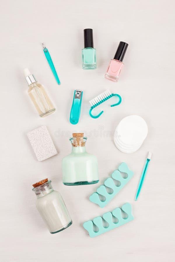 Maquette des produits cosmétiques de beauté pour la manucure, pédicurie, pieds image libre de droits