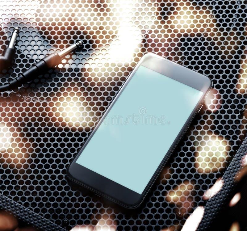 Maquette du smartphone moderne noir tourné à droite Chemin de coupure image stock