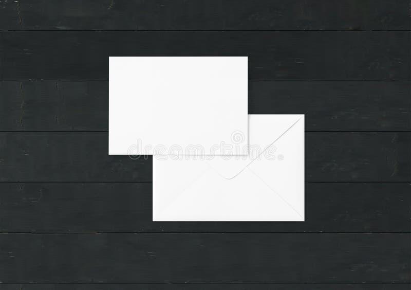 Maquette vide blanche d'enveloppe et calibre vide de présentation d'en-tête de lettre images libres de droits