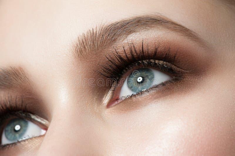 Maquillage d'oeil images libres de droits