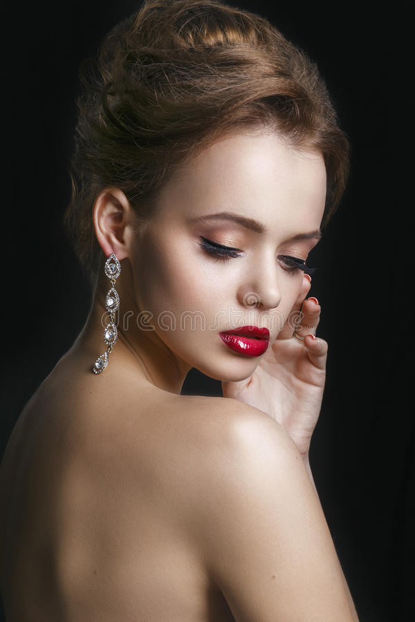 Maquillage d'oeil Rétro maquillage de style de beaux yeux Maquillage de vacances photo libre de droits