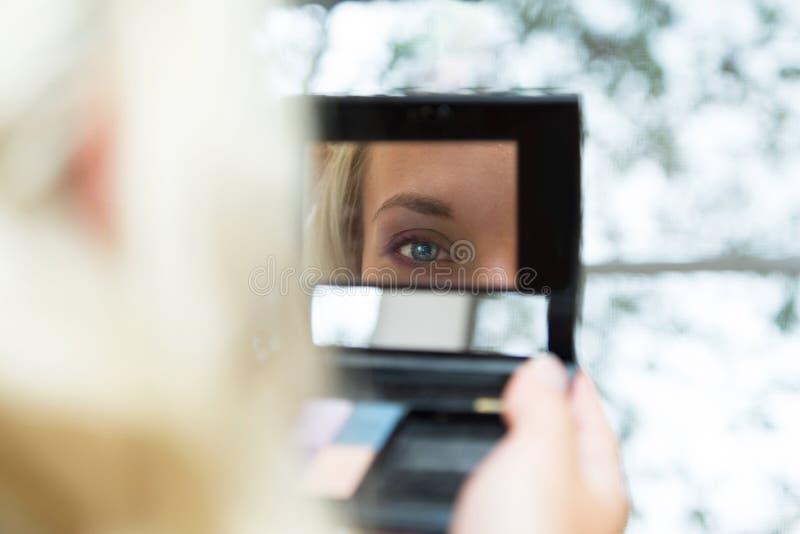 Maquillaje hermoso joven de la boda de la novia imágenes de archivo libres de regalías
