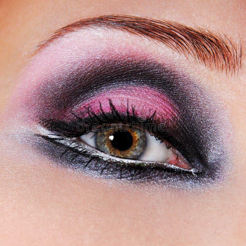 maquillaje Negro-violeta de ojos imagenes de archivo
