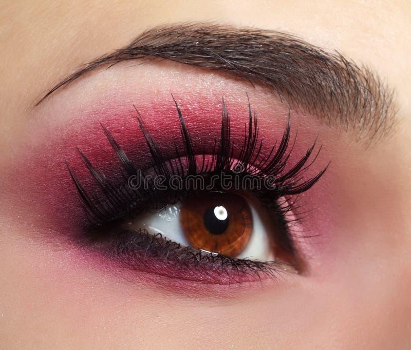 Maquillaje rojo del ojo fotografía de archivo libre de regalías
