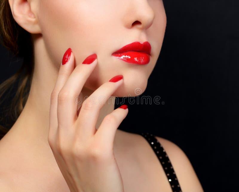 Maquillaje y manicura imagenes de archivo