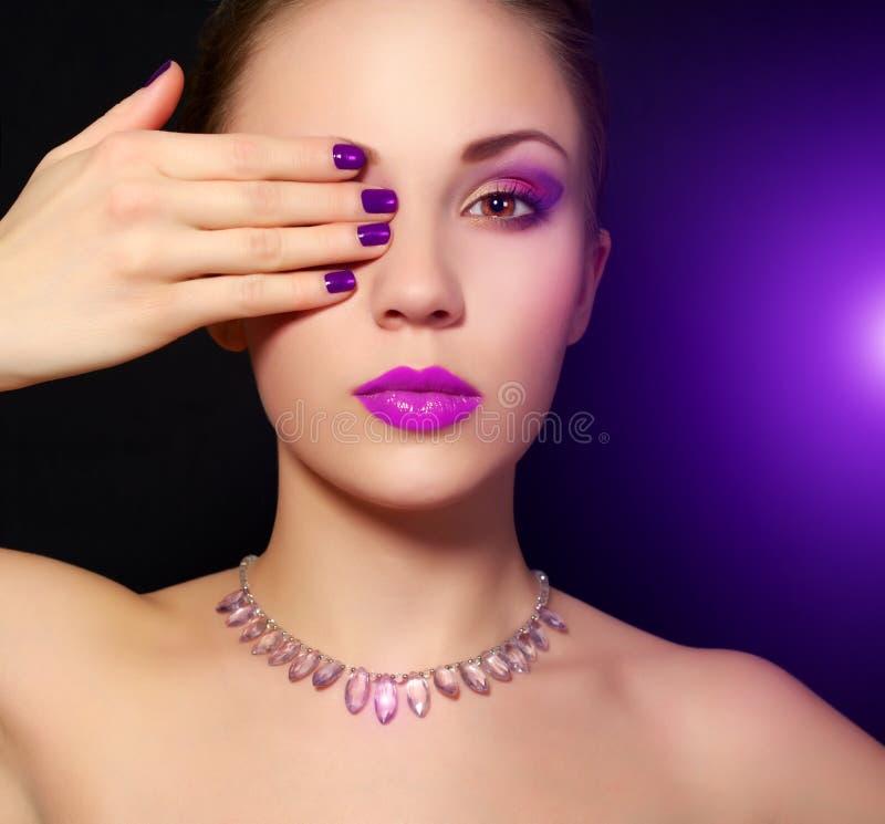 Maquillaje y manicura imagen de archivo libre de regalías
