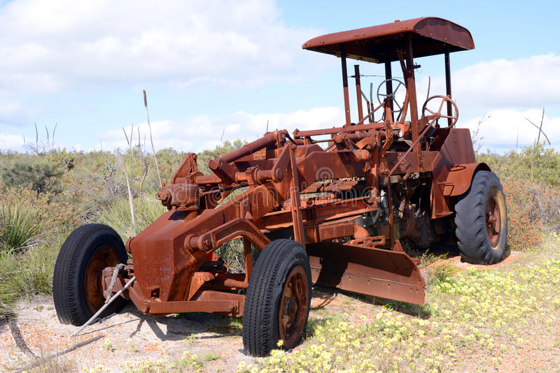 Maquinaria agrícola abandonada vieja en Australia occidental imágenes de archivo libres de regalías