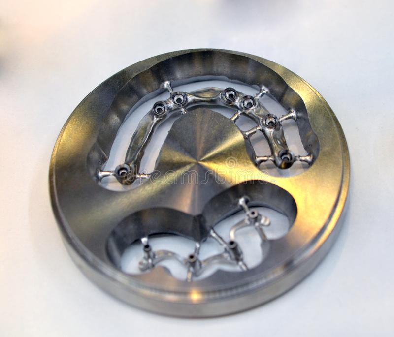 Maquinaria dental de la leva del disco cad para moler foto de archivo