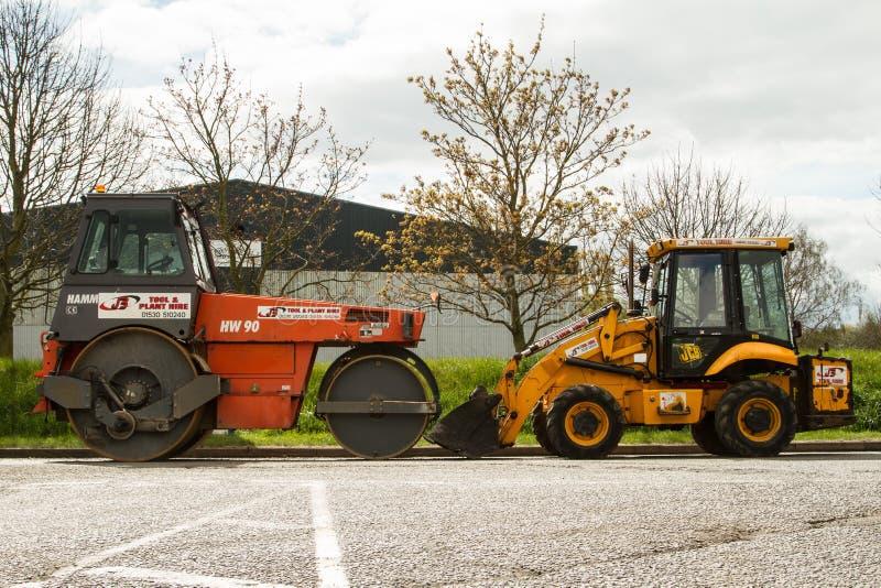 Maquinaria para estradas de trabalho (sob a construção) foto de stock royalty free