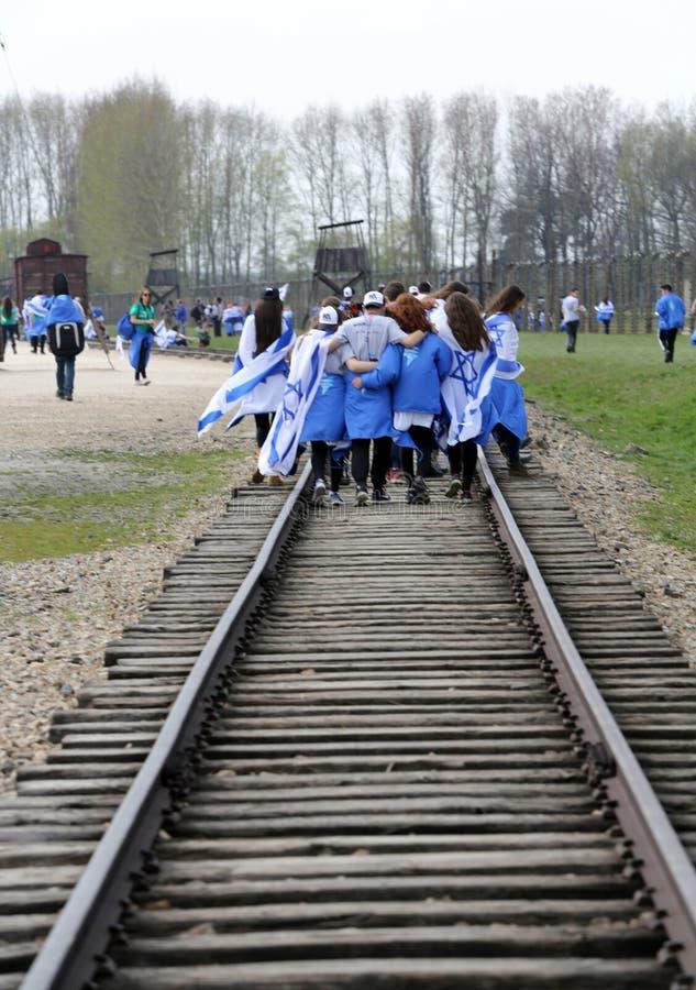 março da vida no campo de concentração alemão em Auschwitz imagem de stock royalty free
