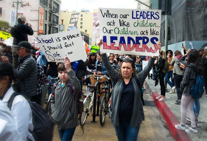 março para nosso março do ` s do movimento das vidas em Los Angeles do centro imagens de stock