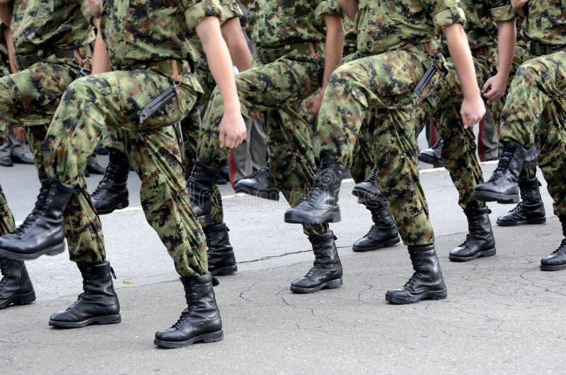 março sérvios do exército fotografia de stock