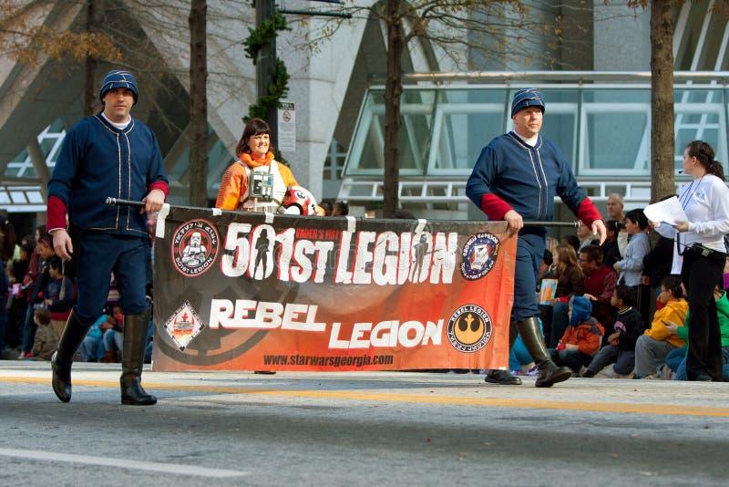 marços rebelde da legião das guerras de estrelas na parada do Natal de Atlanta imagem de stock