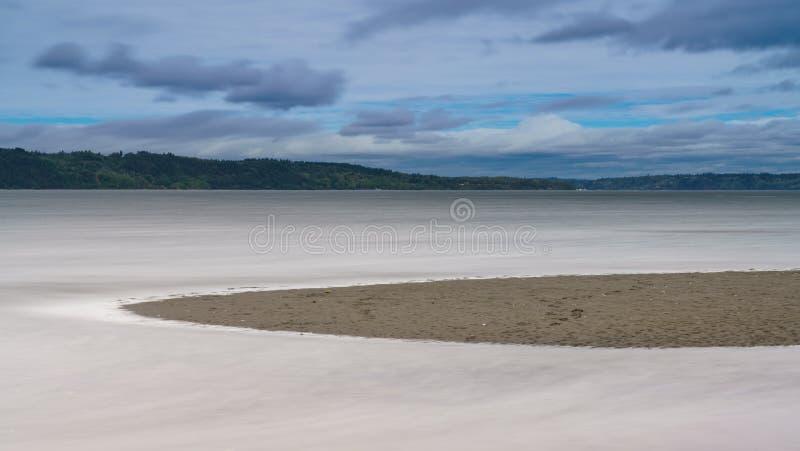 Maré alta que aumenta ao longo de Puget Sound Tacoma fotos de stock royalty free