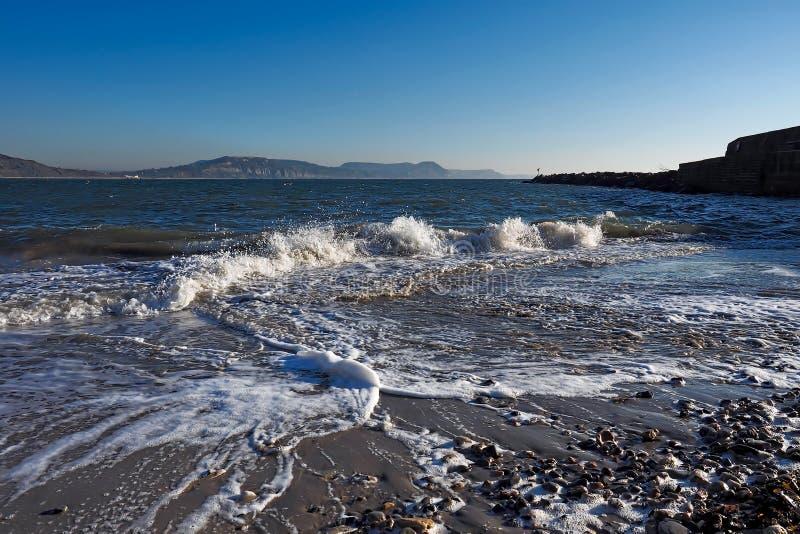 Marée entrante - Lyme REGIS images libres de droits