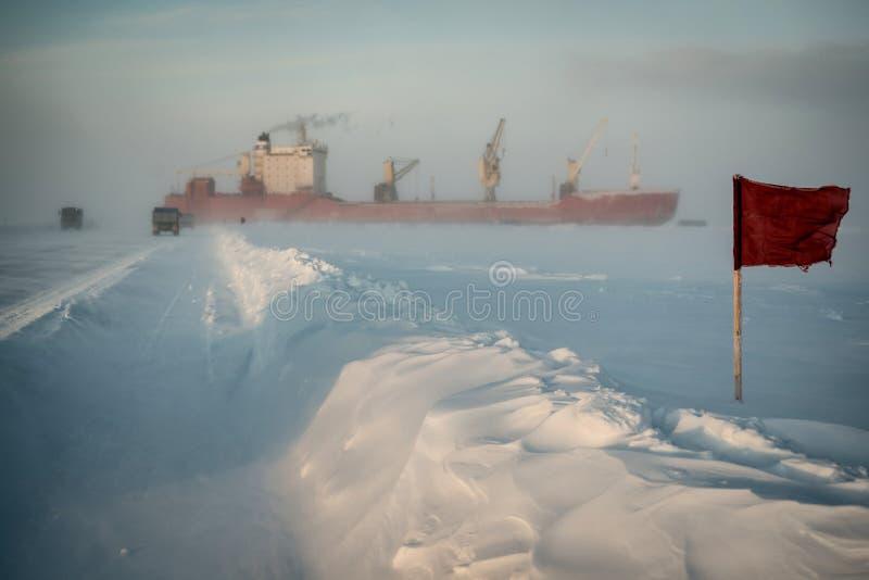 Marż ciężarówki i flaga iść statek zdjęcia royalty free