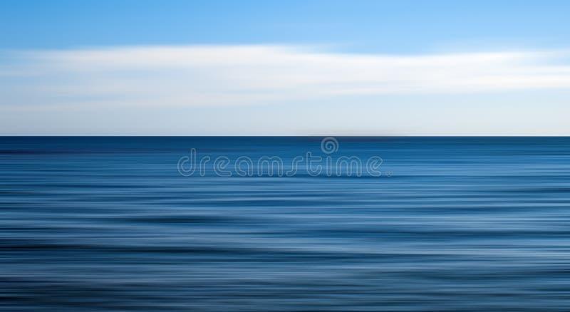 Mar abierto claro, falta de definición de movimiento foto de archivo