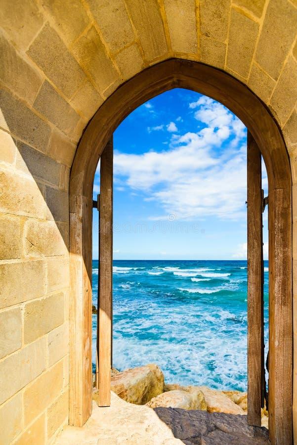 Mar abierto de la puerta imágenes de archivo libres de regalías