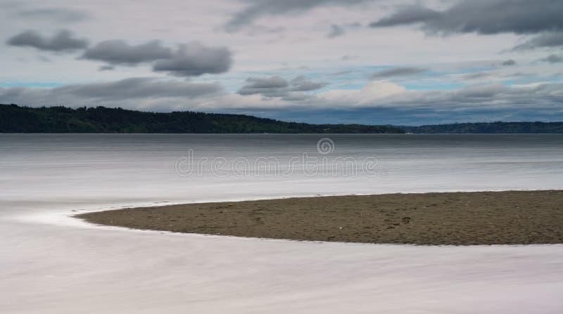 Mar? alta que aumenta ao longo de Puget Sound Tacoma foto de stock