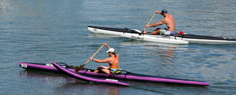 Mar australiano que kayaking em Gold Coast Queensland Austrália fotografia de stock royalty free