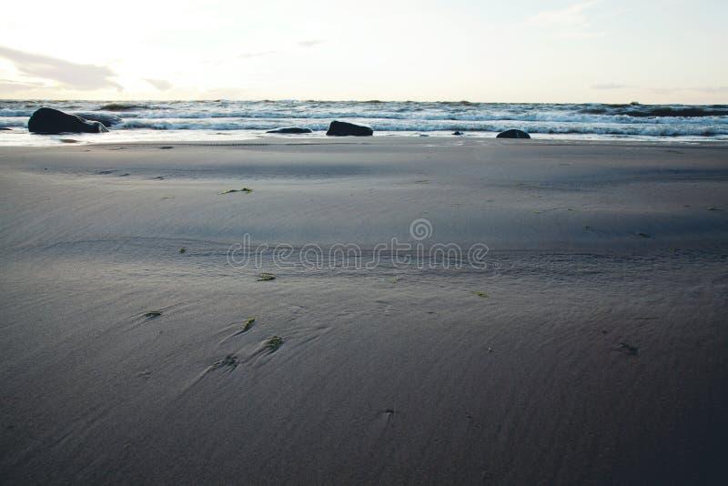 Mar Báltico en la oscuridad fotografía de archivo