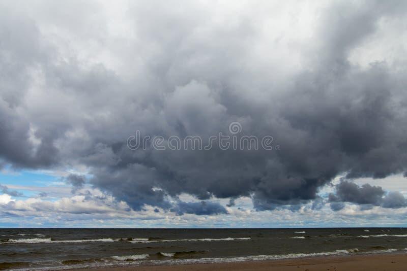 Download Mar Báltico oscuro imagen de archivo. Imagen de báltico - 41918473