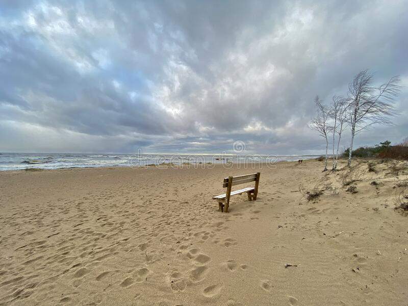 Mar Báltico outono costa mar praia mar Saulkrasti Letónia foto de stock royalty free