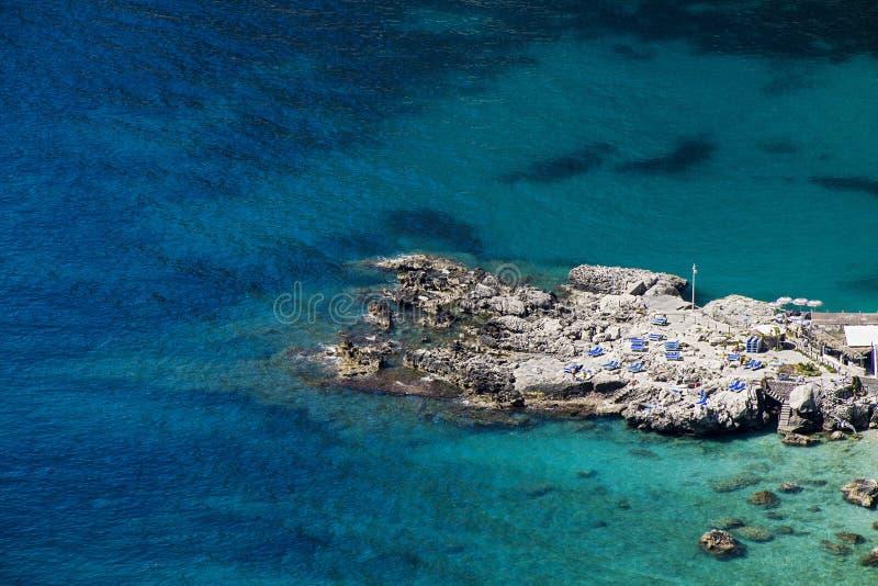 Mar bonito em Capri - Itália fotografia de stock