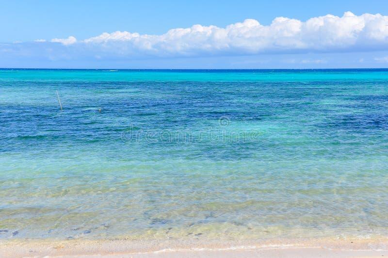 Download Mar Colorido Na Ilha De Nacula Em Fiji Foto de Stock - Imagem de branco, tropical: 80100134