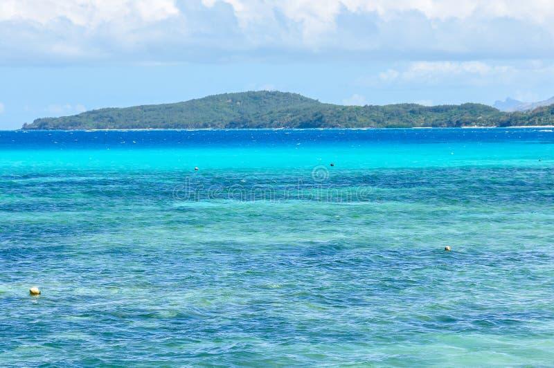 Download Mar Colorido Na Ilha De Nacula Em Fiji Imagem de Stock - Imagem de verão, console: 80100145