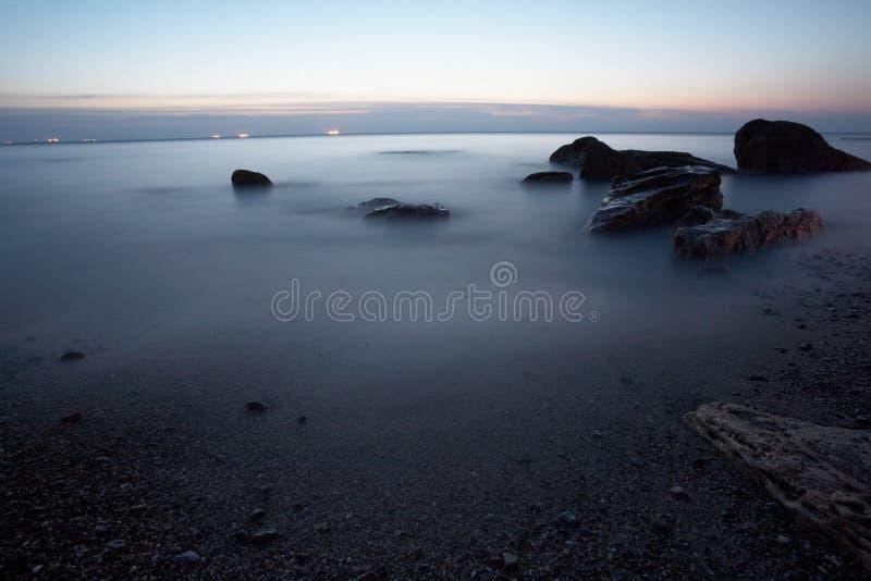 Mar com gelo de flutuação no nascer do sol em Odessa Ukraine imagem de stock royalty free