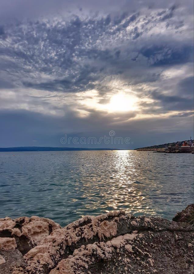 Mar croata del paisaje del papel pintado de la playa foto de archivo libre de regalías