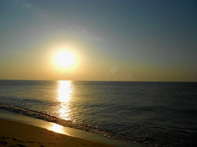 Mar de la salida del sol foto de archivo