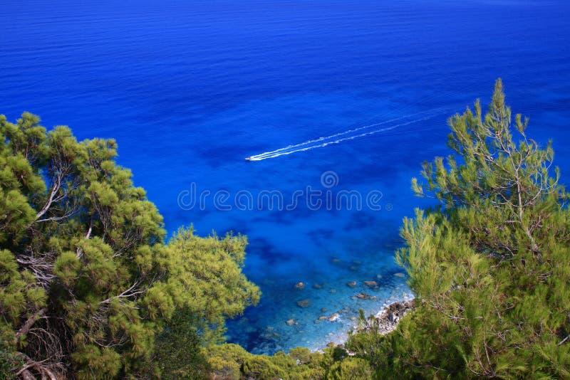 Mar de Lefkada, Greece - ágios Nikitas imagem de stock royalty free