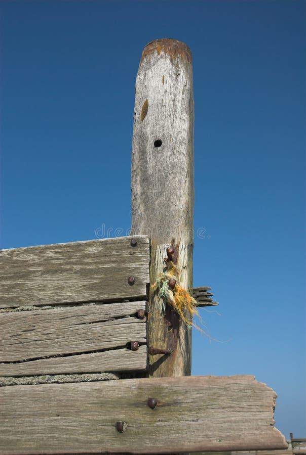Mar de madeira resistido Groyne fotos de stock royalty free