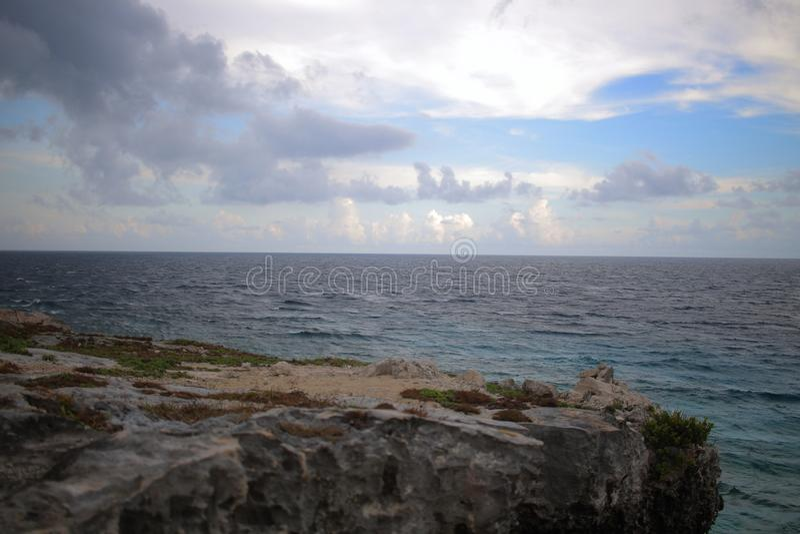 Mar dei Caraibi da Isla Mujeres, Messico immagine stock libera da diritti