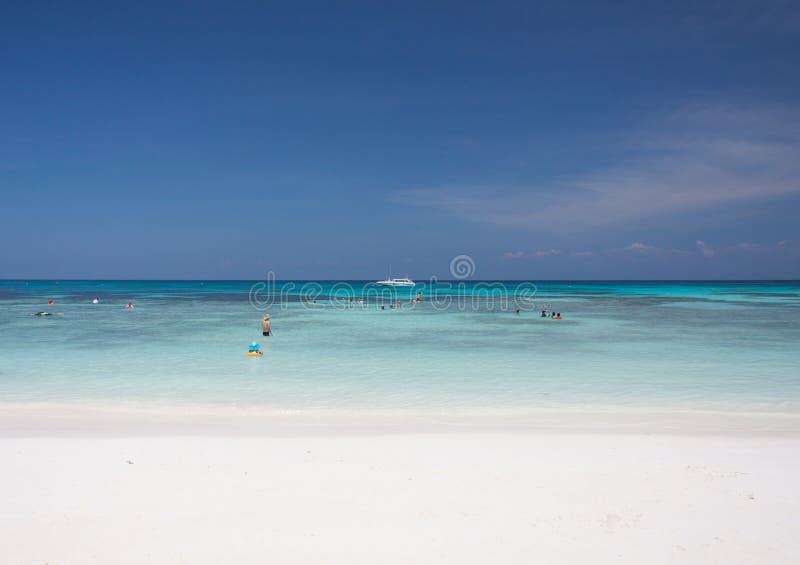 Download Mar Del Cielo Azul Y De La Turquesa Foto de archivo - Imagen de visión, azul: 64206612
