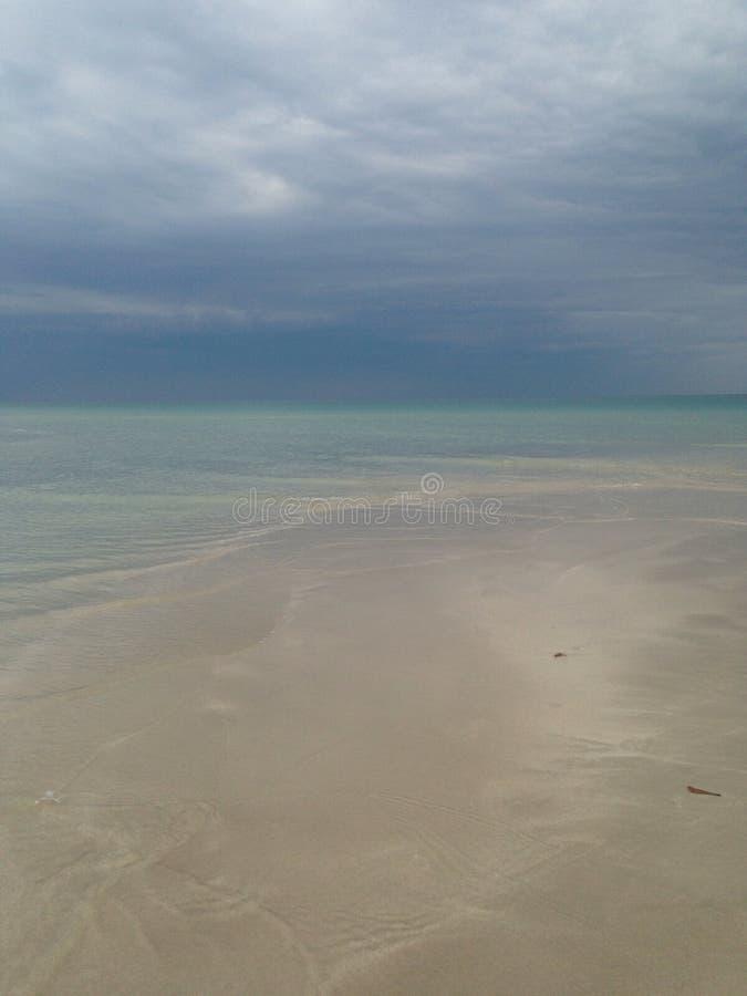 Mar después de la tormenta imagenes de archivo