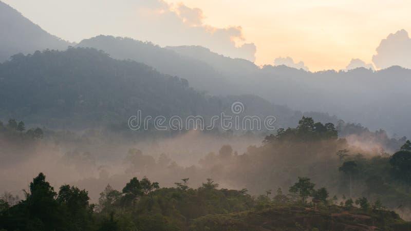 Mar do ponto de opinião da névoa de Krungshing da névoa foto de stock royalty free