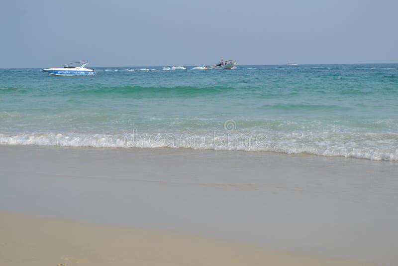 Mar e barcos fotos de stock