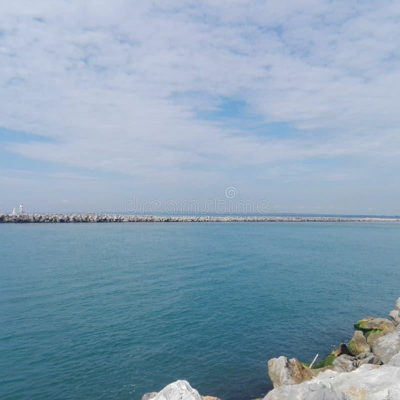 Mar e céu fotografia de stock royalty free