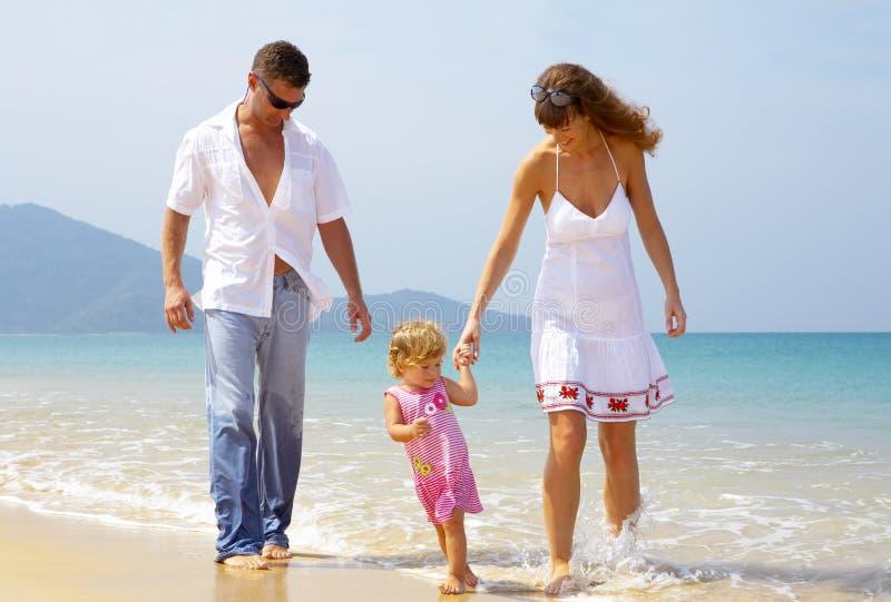 Mar e família fotografia de stock royalty free