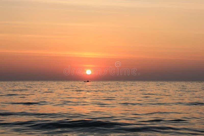 Mar e por do sol fotos de stock royalty free
